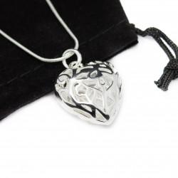 Collier pour femme avec en pendentif un gros cœur en argent