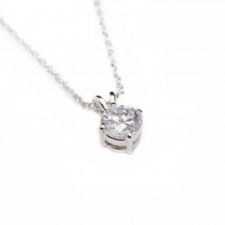 Women's short chain necklace
