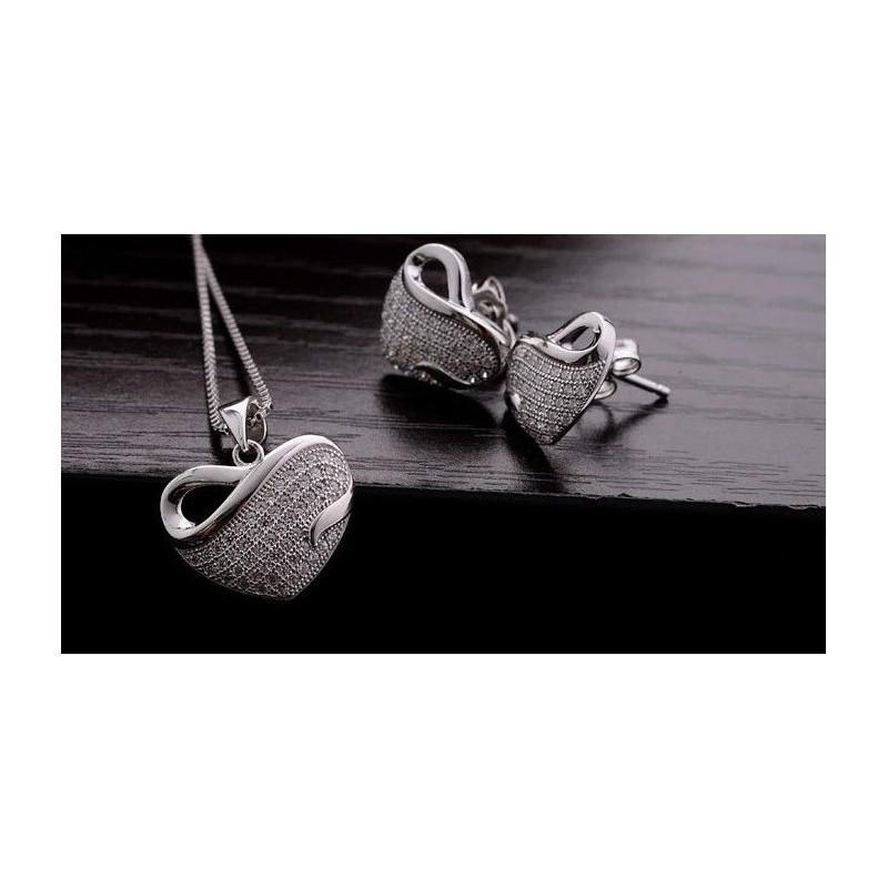Coffret Collier et pendentif, et boucles d'oreilles Cœur pour femme