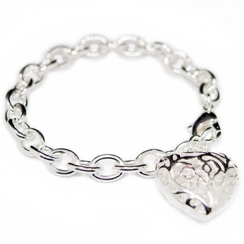 Bracelet argent pour femme avec un pendentif représentant gros cœur