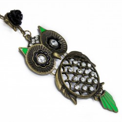 Women's long necklace with green feathers owl pendant