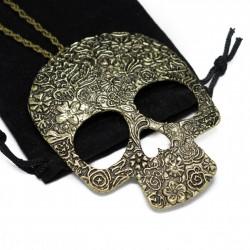 Collier sautoir avec un pendentif tête de Mort,  un bijou pour femme