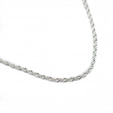 Collier en argent avec une chaine fine torsadée, pour homme ou femme