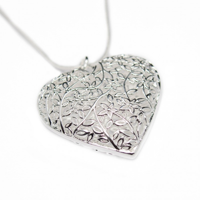 Women's silver hollow flower heart necklace